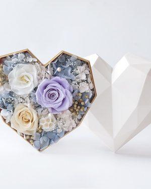心形保鮮花細白色鑽石禮盒(淺紫色)