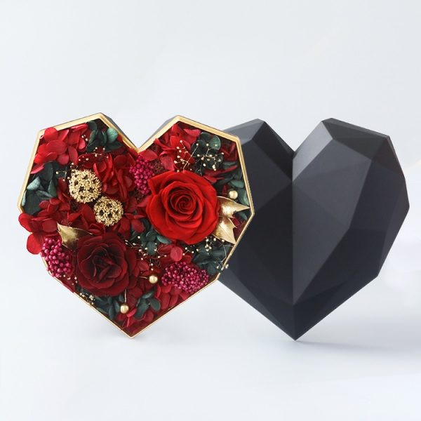 心形保鮮花細黑色鑽石禮盒(紅色)