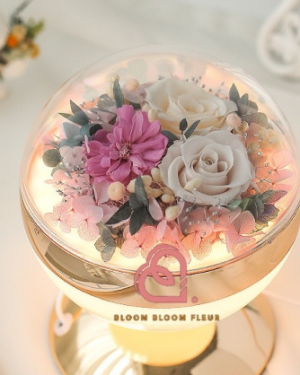 Preserved Flowers Light
